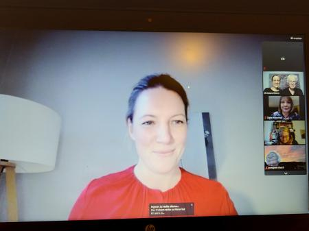 Staatsekretärin und Bevollmächtigte des Landes Schleswig-Holstein in Berlin Sandra Gerken begrüßt die Gäste des virtuellen Klassenzimmers