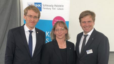 Ministerpräsident Daniel Günther mit Friederike Kühn und Björn Ipsen