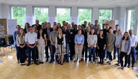 Gruppenfoto mit Daniel Günther