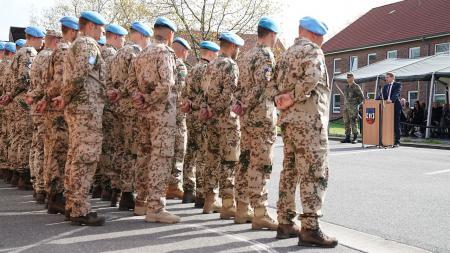 Günther wünschte den Soldaten alles Gute für ihren Auslandseinsatz.