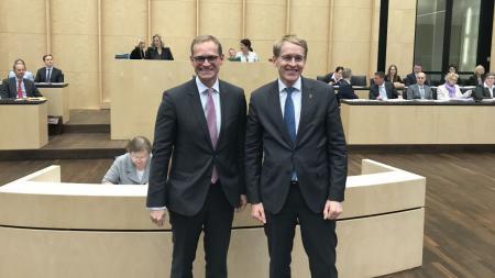 Berlins Regierender Bürgermeister Michael Müller (l.) mit Ministerpräsident Daniel Günther.