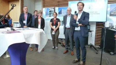 Dienststellenleiter Udo Bünnagel begrüßt die Gäste
