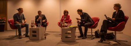 Gemeinsam mit dem Literarischen Colloquium Berlin ehrte die Landesvertretung Schleswig-Holstein die Dichterin Doris Runge mit einem Lyrik-Abend.