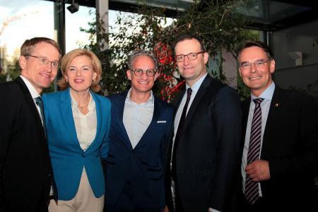 Ministerpräsident Daniel Günther, Bundesministerin Julia Klöckner mit Lebenspartner, Bundesminister Jens Spahn und Staatssekretär Ingbert Liebing