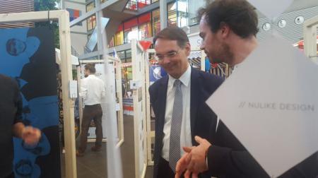 Staatssekretär Ingbert Liebing informiert sich über die kreativen Ideen der Alten Mu