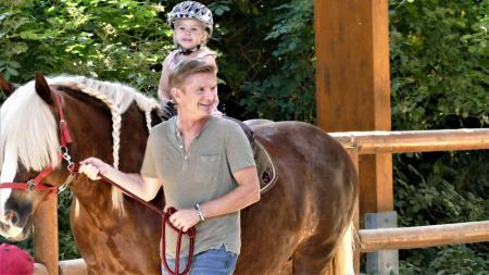 Familienminister Heiner Garg auf Sommertour
