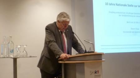 Staatssekretär Wilfried Hoops begrüßt die Gäste