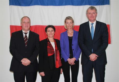 Foto von links: Hauke Pohl (Vorsteher ZPD), Monika Heinold, Dr. Silke Torp, Sönke Theede.