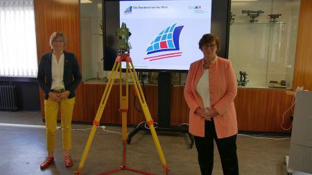 v.l.: Amtschefin Cornelia Weber, Ministerin Sabine Sütterlin-Waack