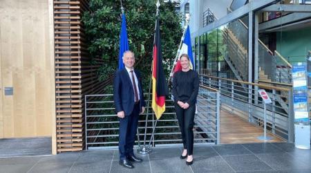 Nicholas O Brian, Botschafter von Irland und Sandra Gerken, Bevollmächtigte des Landes Schleswig-Holstein beim Bund