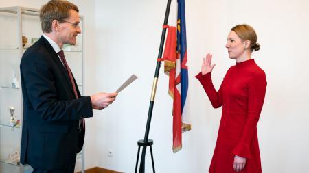 Ministerpräsident Daniel Günther vereidigt Sandra Gerken